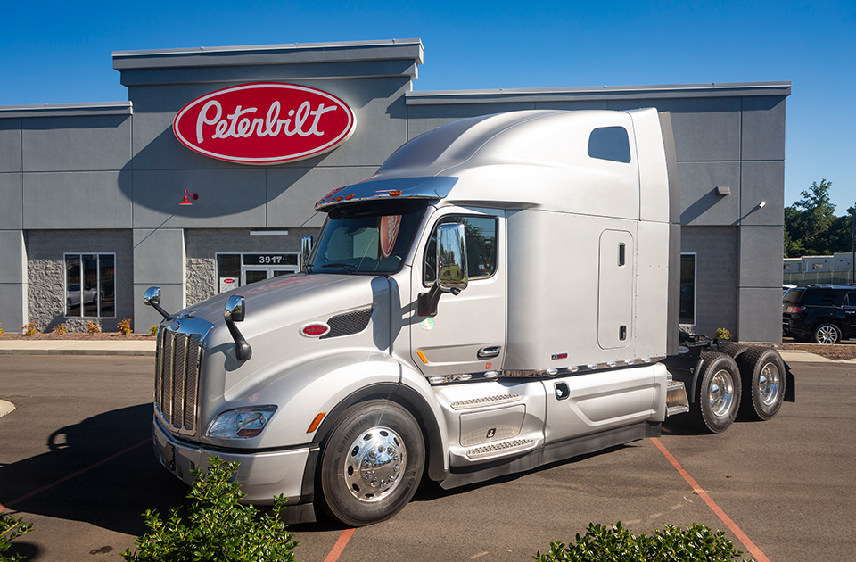 Plan your trip to TLG Peterbilt - Charlotte in Charlotte, North Carolina.