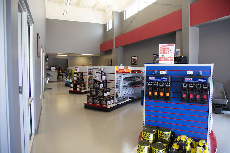 Plan your trip to TLG Peterbilt – Willow Springs in Willow Springs, MO.